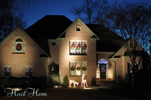 Decorating the Outside for Christmas - All Things Heart and Home