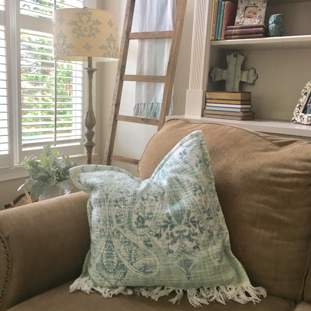easy spring pillows