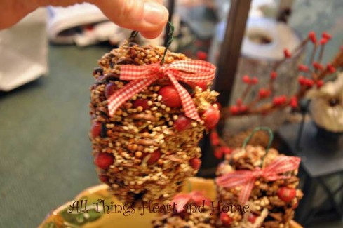 pinecone-christmas-ornament
