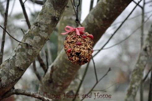 pinecone ornament in tree - Outdoor Christmas Tree Decorations For Birds