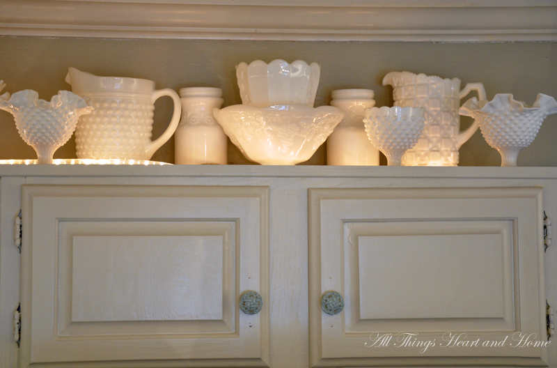 Beachy Cote Meets Shabby The Kitchen Cabinet Edition All Things Heart And Home Lighting Cabinets As Rope Lights Above