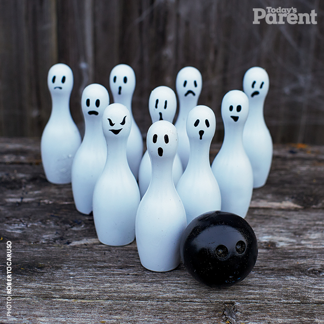Halloween-ghost-bowling