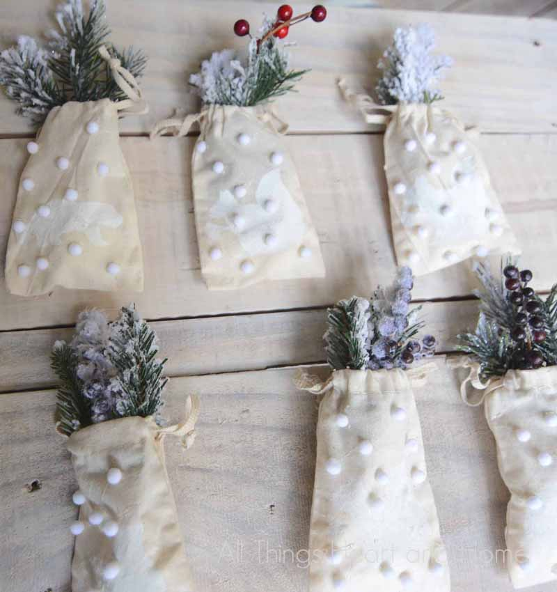 Mini Muslin Pouch Ornaments